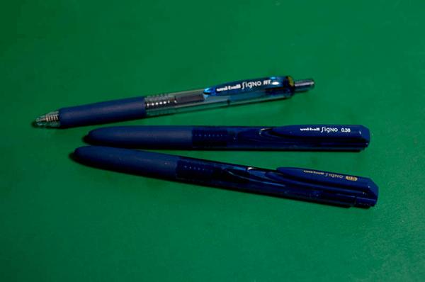 ボールペン シグノ RT1