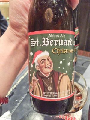 いただいたのはセント・ベルナルデュス・クリスマス。アルコール分10%!