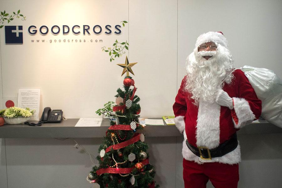 クリスマスツリー 会社 エントランス
